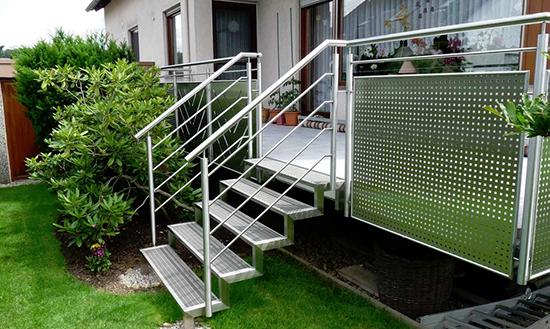 Treppen anbauen in  Aichtal